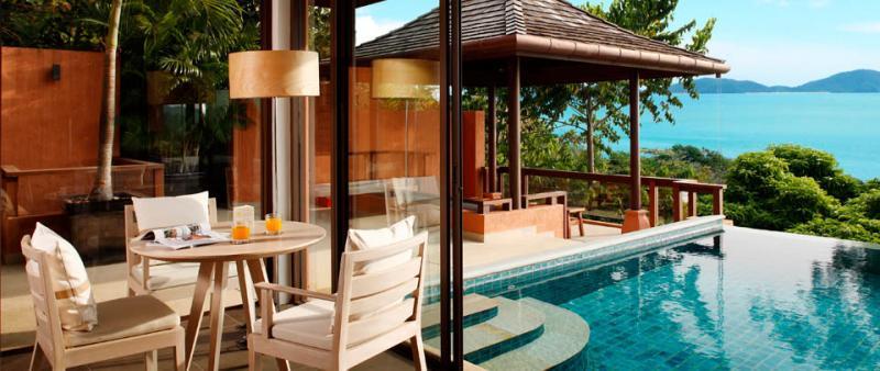 Sri Panwa Resort restaurant near pool