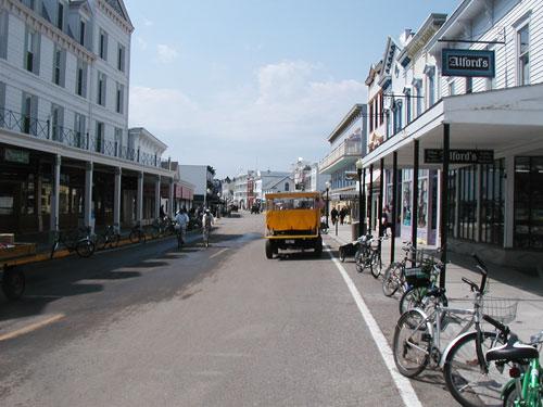Macinac main street