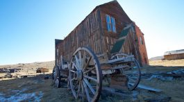 bodie-california-ghost-town-wagon