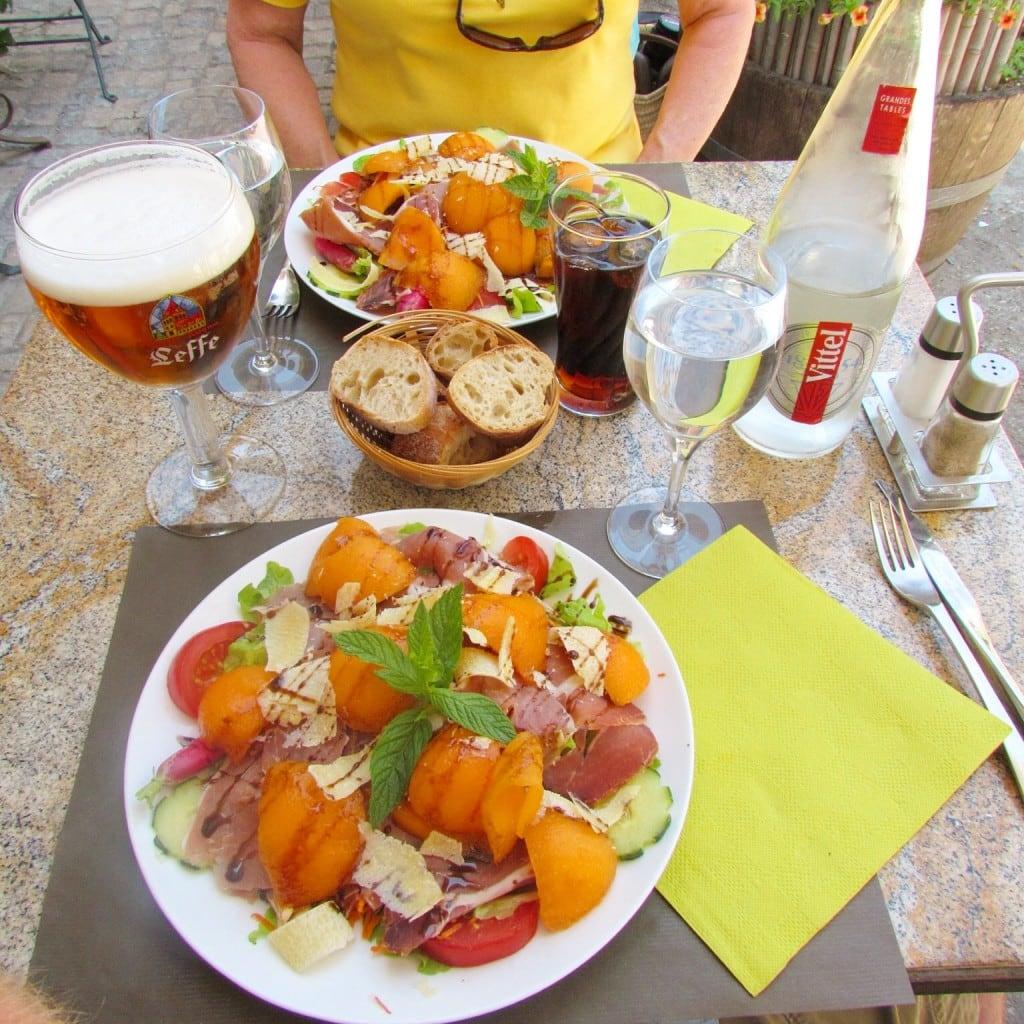 Saint Cirq Lapopie, france lunch