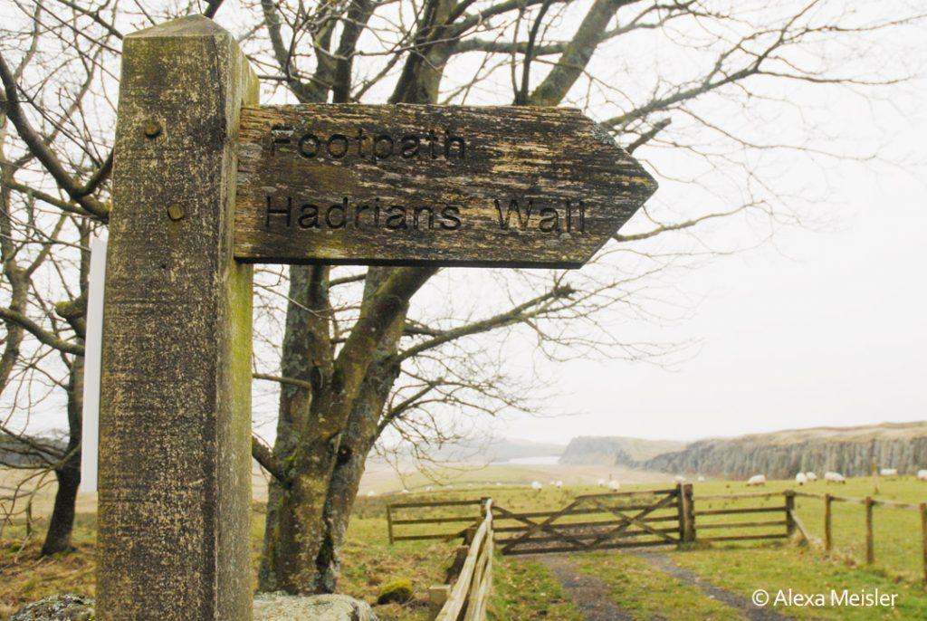 hadrians-wall-foot-path-sign