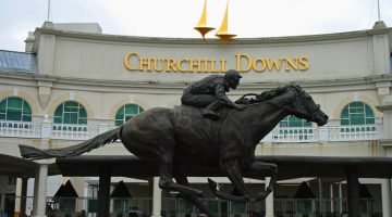 Churchill Downs Entrance and statue in Kentucky