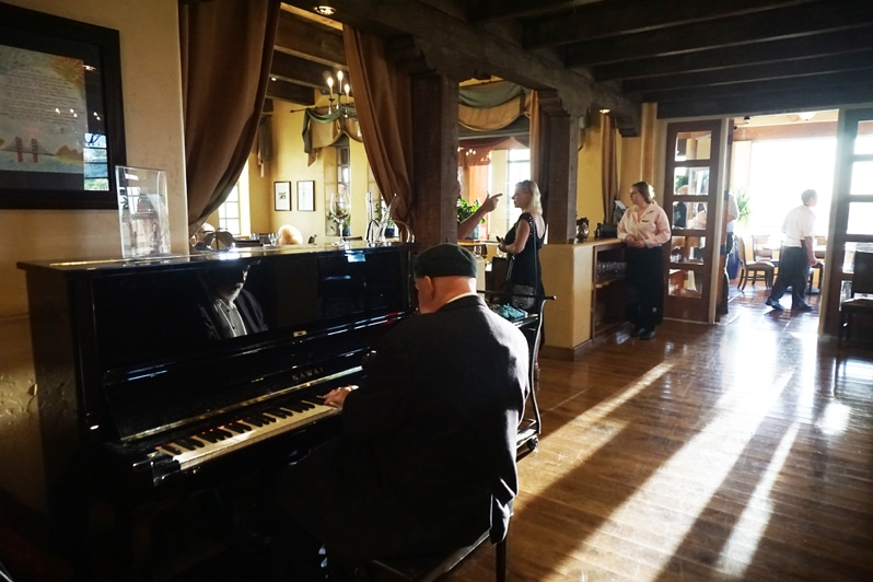 Piano player at the Grill restaurant at Hacienda del Sol Resort in Tucson, Arizona