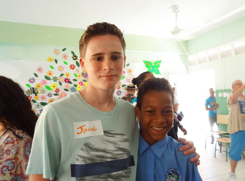 Dominican Republic Student English Volunteer activity with Fathom cruise