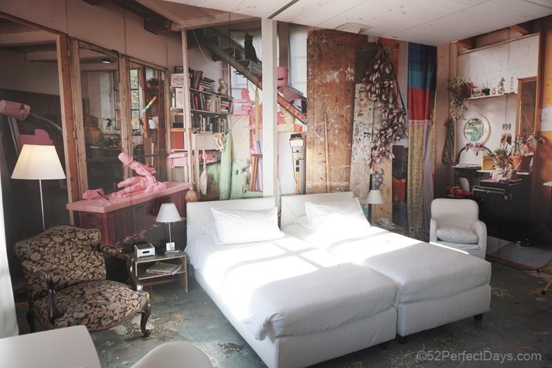 Der Teufelhof Basel art hotel room