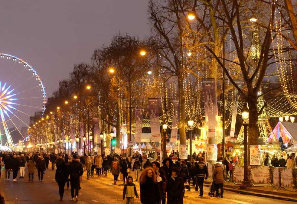La Magie de Noël christmas market Paris