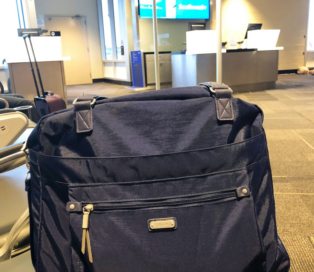 Baggallini overnight expandable laptop bag