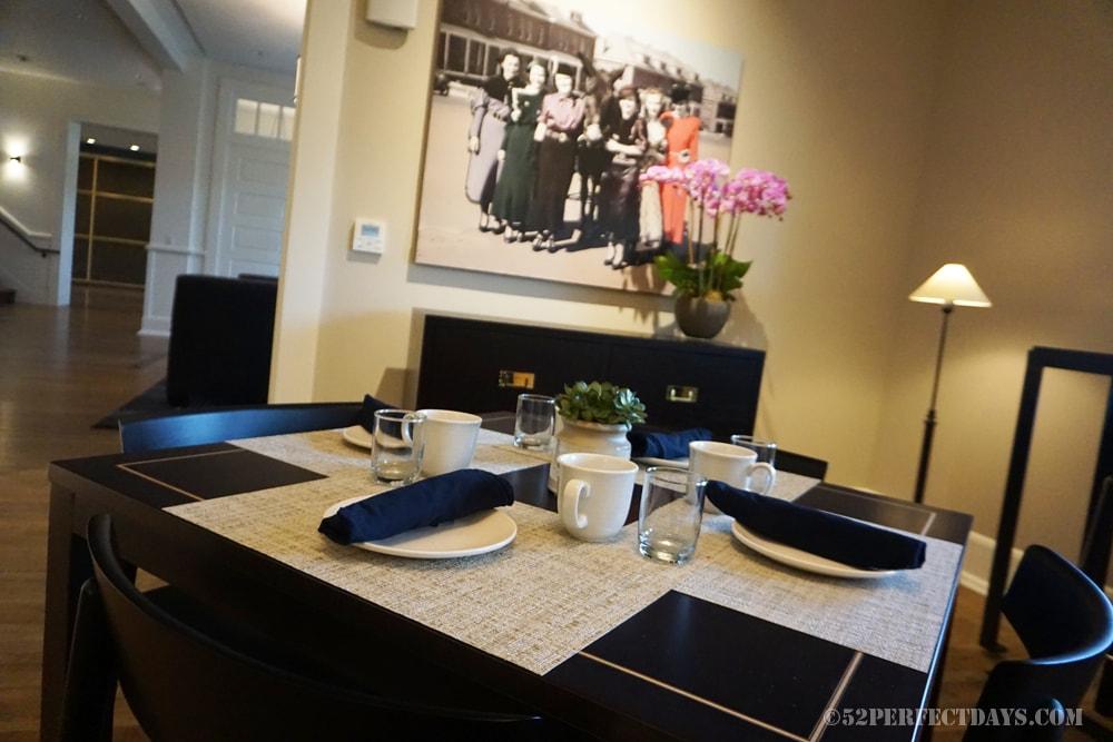 breakfast room at the Lodge at Presidio