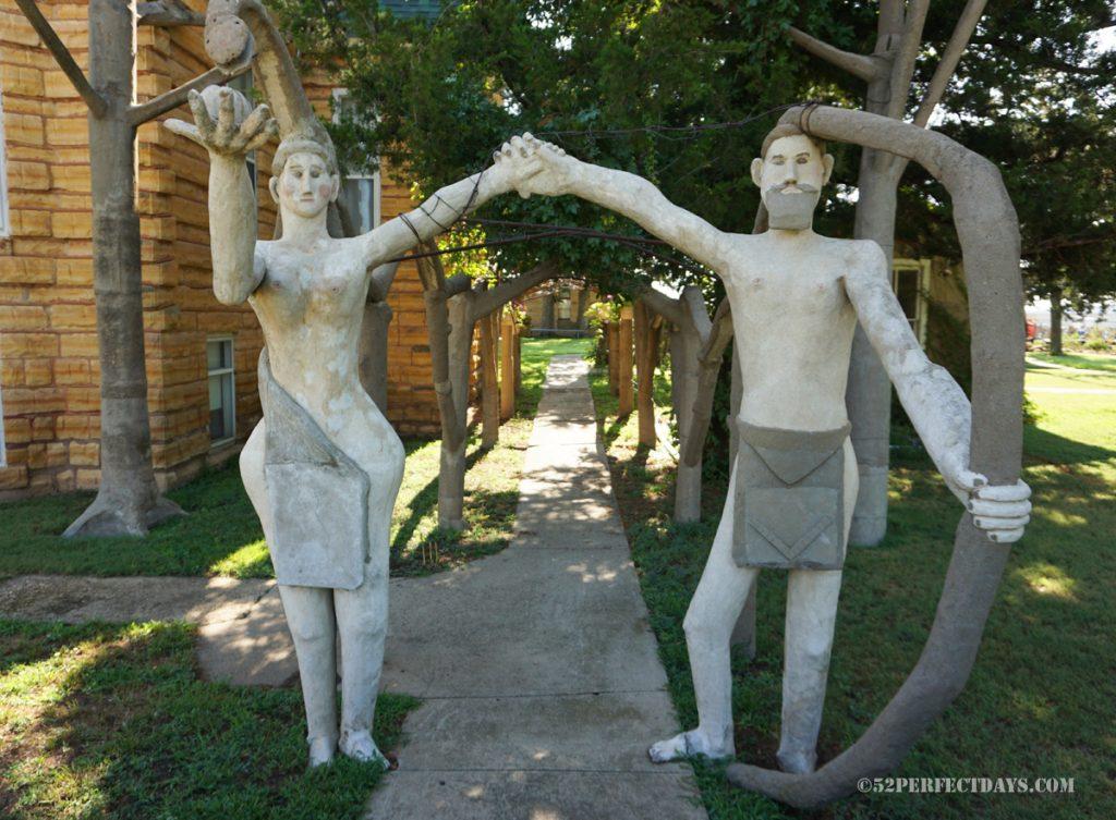 Garden of Eden Cabin Home, Lucas