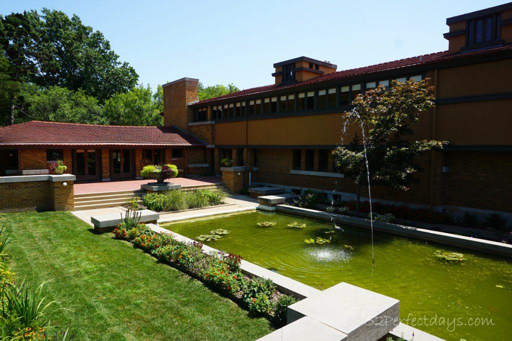 Frank Lloyd Wright House garden
