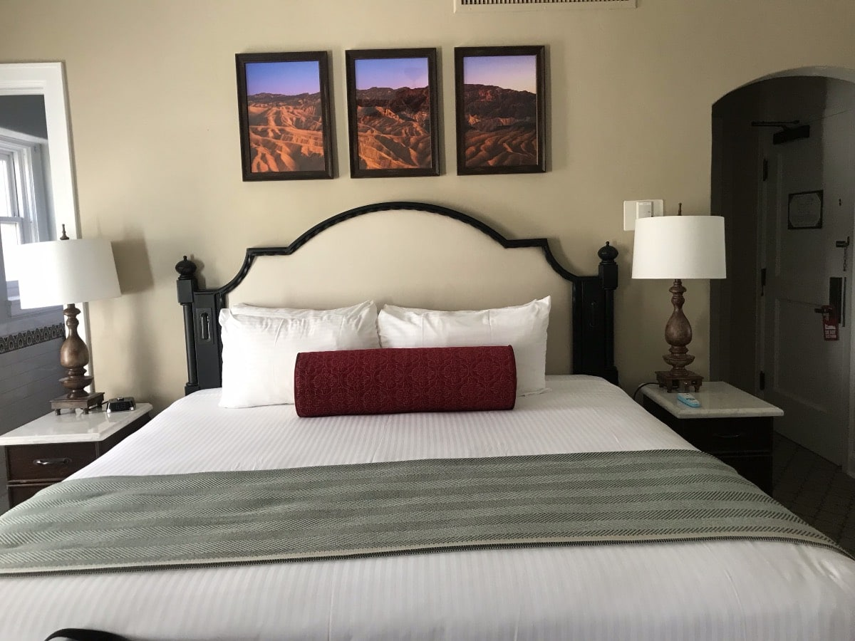 hotel room in Death VAlley