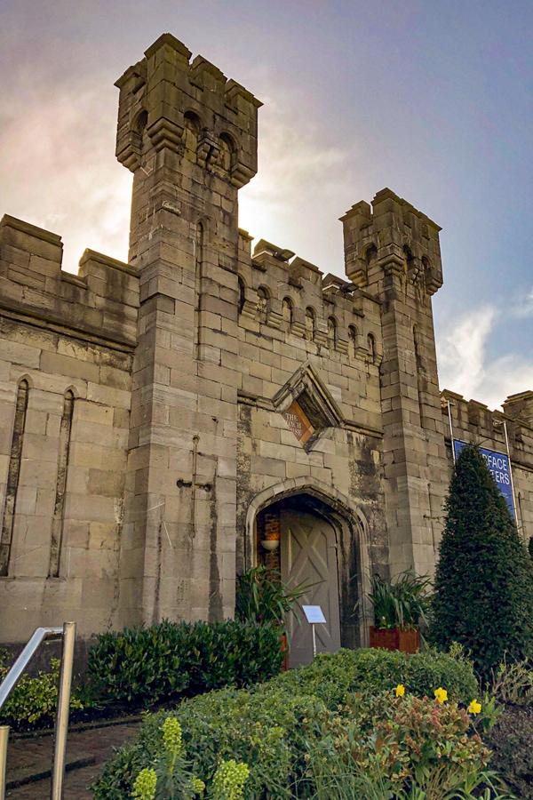 Dubh Linn Garden Special Exhibit Building