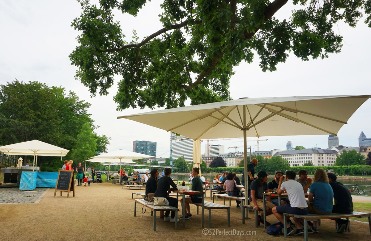 Lunch Along the River Main in Frankfurt