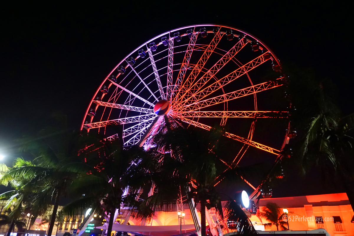 Ferris Wheel in Cancun