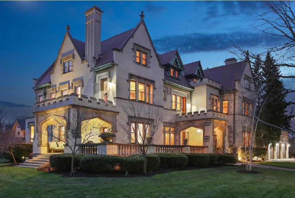 Burton H. Hales Mansion in Chicago