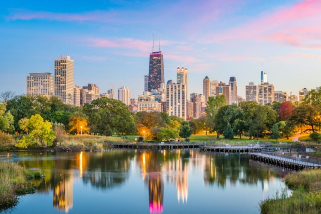 lincoln park skyline in chicago